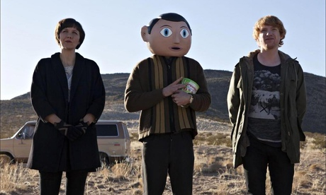 Maggie Hyllenhall, Michael Fassbender and Domhnall Gleeson in Frank